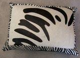 Sierkussen koehuid met zebraprint mix b_